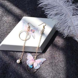 Boucle d'oreille asymétrique papillon