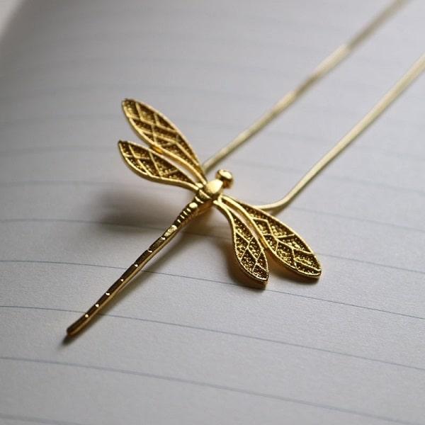 Collier avec libellule doré