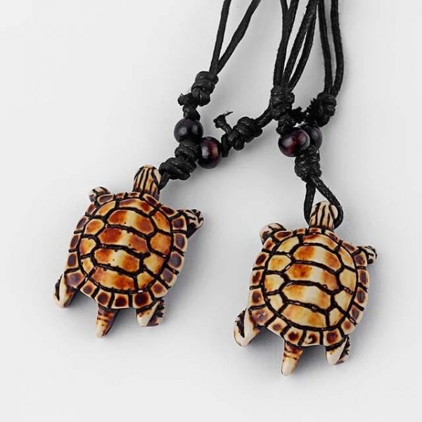 Collier tortue ethnique tribal avec carapace simple