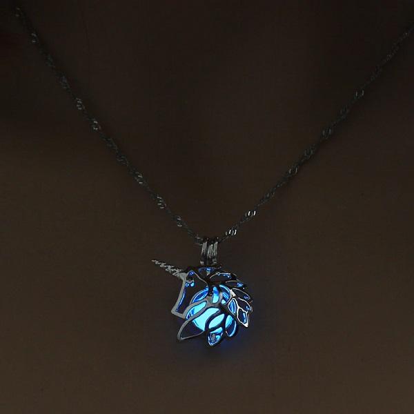 Pendentif licorne lumineux bleu