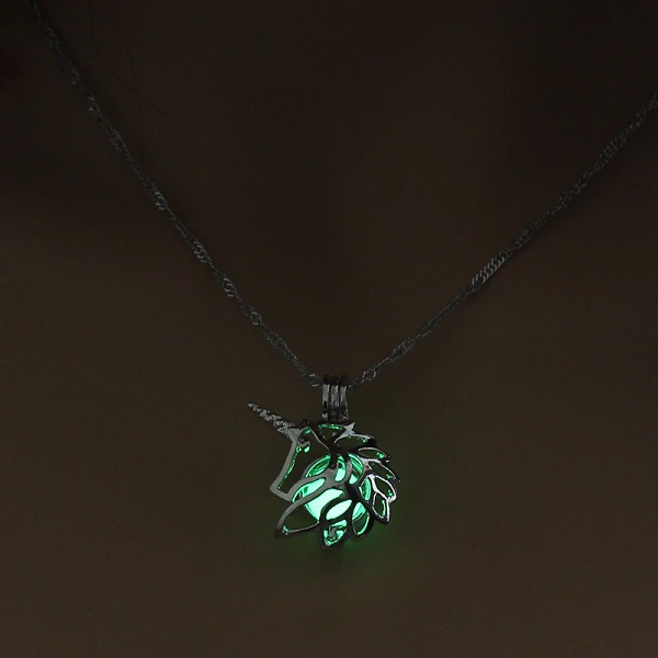 Pendentif licorne lumineux vert