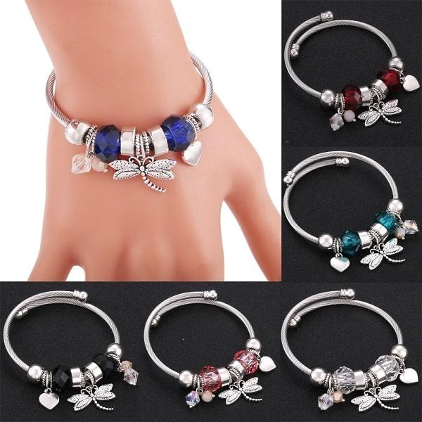 Bracelet avec libellule bras ou poignet