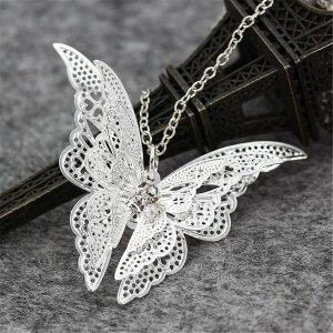 Collier gothique papillon
