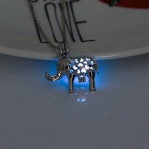 Pendentif éléphant lumineux bleu
