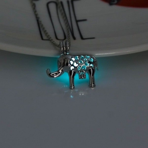 Pendentif éléphant lumineux turquoise