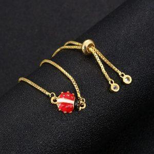Bracelet avec coccinelle
