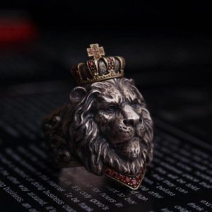 Chevalière tête de lion